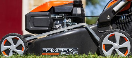 New Oleo-Mac lawnmowers with electric starter