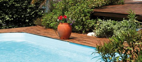 Outdoors: how to keep your pool area clean